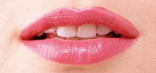 Do-It-Yourself home remedies which will give you rosy lips