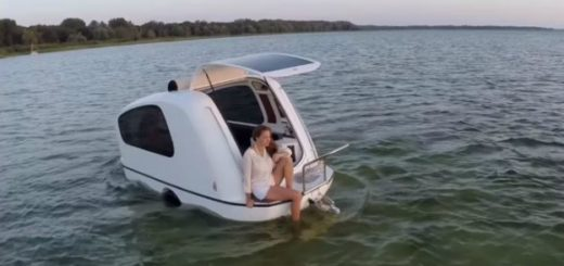 An amazing camper that becomes a boat for sightseeing on land and water