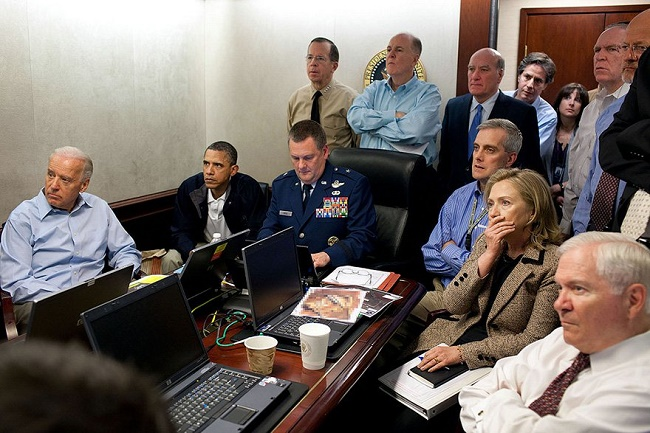 President obama in a meeting