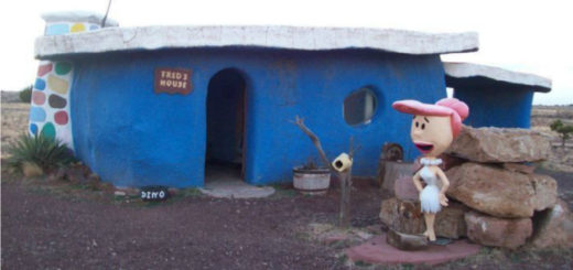 This Abandoned Flintstones Theme Park in Arizona Is Filled With Some Mindboggling Creepy Nostalgia